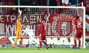 Лодыгин дебютировал за «Олимпиакос». Ему забили гол единственным ударом